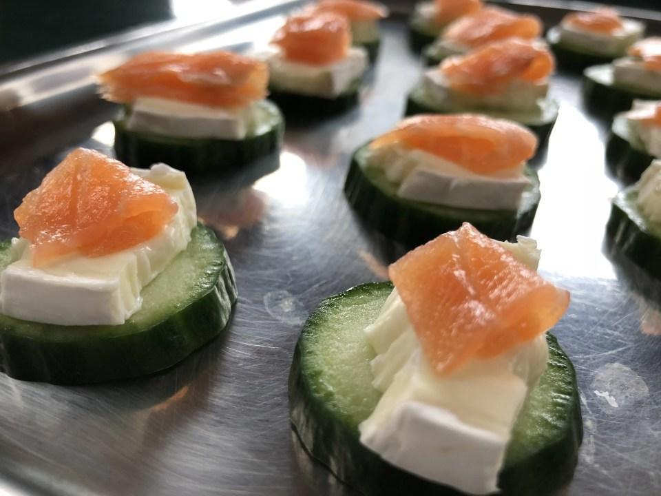 eenvoudig Paashapje: komkommer-brie-zalm