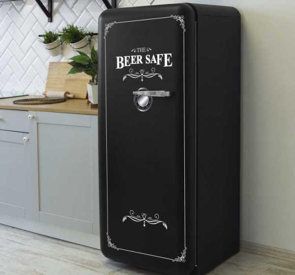 """Zelfklevende koelkast sticker """"the beer is safe"""""""