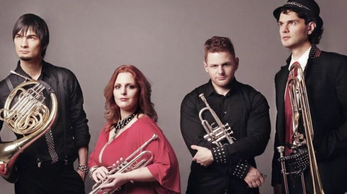 Fourtissimo zenekar hangszerekkel