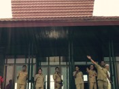 Dilepas oleh Sekkab Halbar menuju Ternate. Kredit: Avivah Yamani