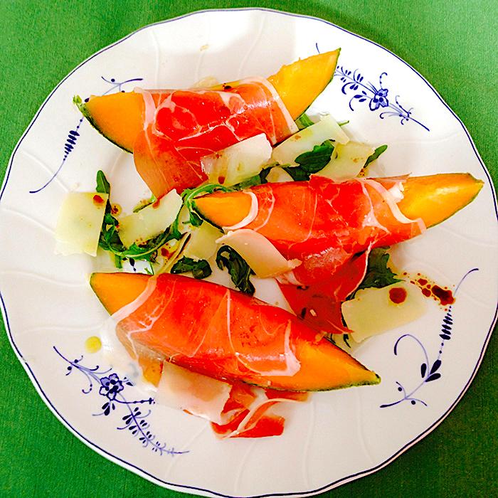 Melon Starter/ Ордьовър от пъпеш, прошуто, пармазан и рукола рецепта