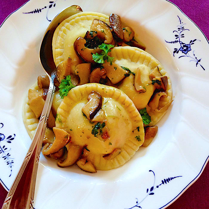 ravioli / Равиоли с гъби и олио от трюфели рецепта