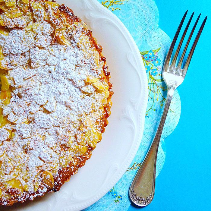 Franchipan cake / Франчипан Кейк с Кайсиево Сладко рецепта