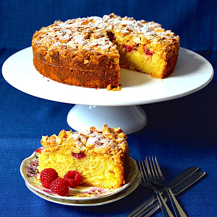Almond and Rasberries Crumble Cake / Кейк с бадеми и малини рецепта