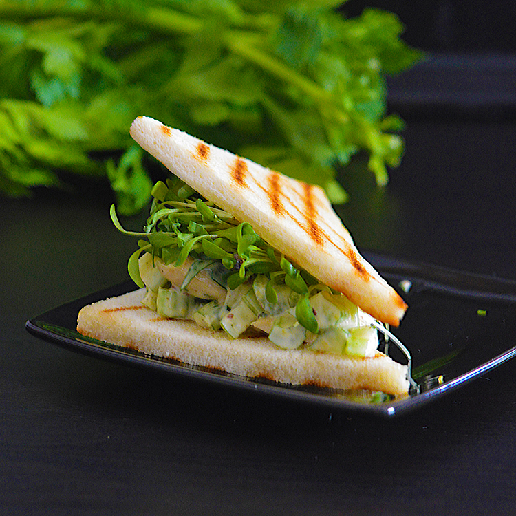 Tarragon Chicken Salad / Сандвич с Пиле & Естрагон рецепта