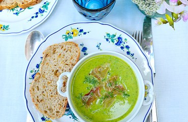 Spinach, Coconut & Courgette Soup