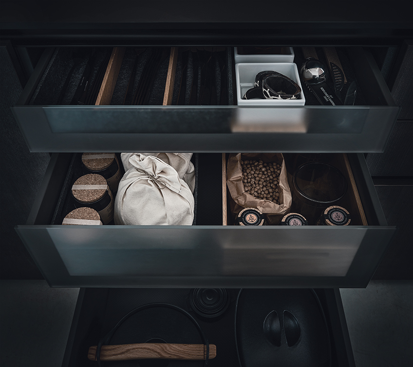 glass_internal_drawers_by_next125_luxury_german_kitchens