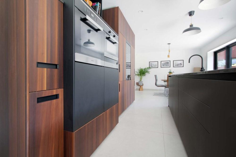 german-kitchens-by-artisan-cardiff-portfolio-next125-fenix (5)