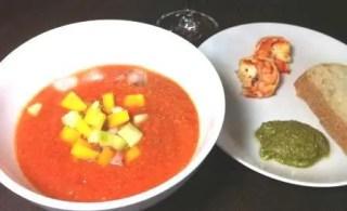 Gazpacho mit Beilage