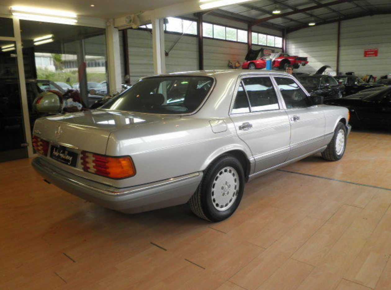 1987 Mercedes Benz 300SE 5 speed manual – German Cars For