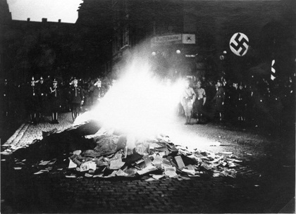 https://i2.wp.com/germanculture.com.ua/wp-content/uploads/2015/12/nazi-books-burning.jpg