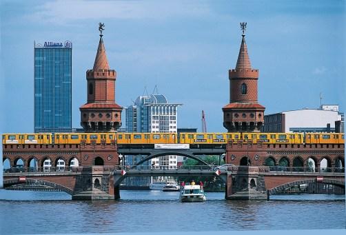 Boat coming through Berlin bridge