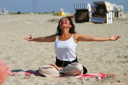 Borkum yoga on beach