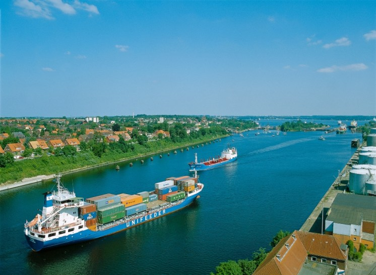 Kiel Canal Schleuse Holtenau