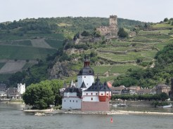 Like a load of Daleks standing on a rock: Burg Pfalzgrafenstein, a toll house built in 1327.