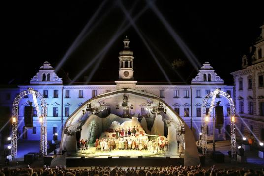 Operatic performance in Thurn und Thaxis palace square, Regensburg