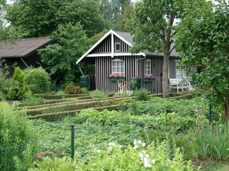 garden house in Schrebergarten ?? Wikimedia