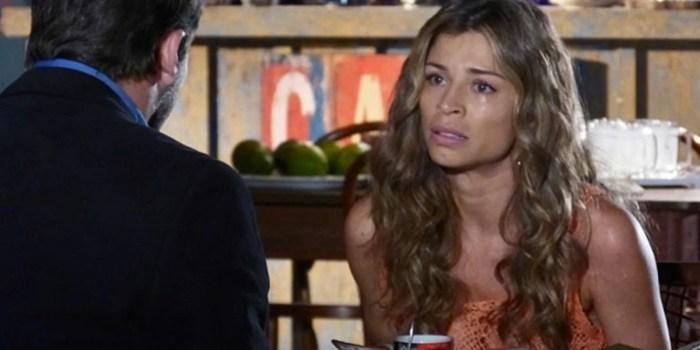 Ester (Grazi Massafera) pede ajuda a Cassiano (Henri Castelli) para salvar o filho em Flor do Caribe (Foto: Reprodução/Globo)