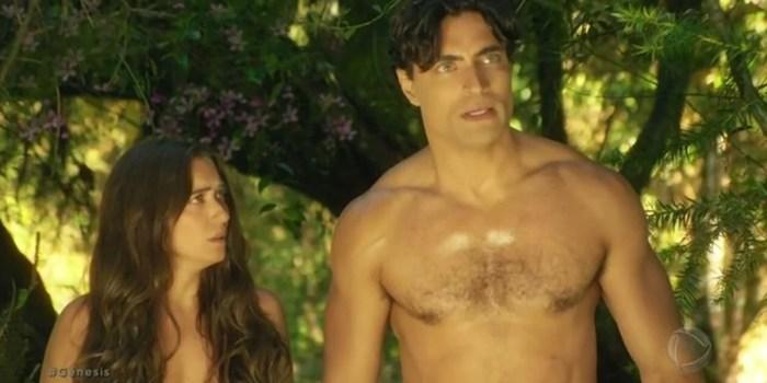 Carlo Porto (Adão) e Juliana Boller (Eva) em cena da novela Gênesis (Foto: Reprodução/Record TV)