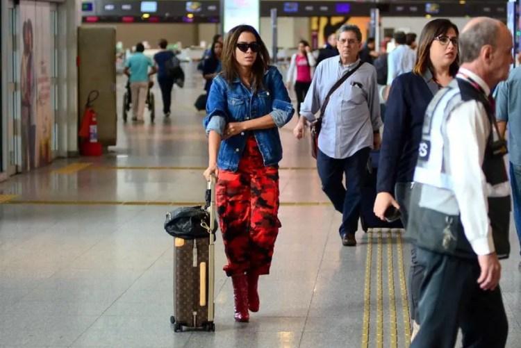 Anitta no aeroporto (Foto: Reprodução)