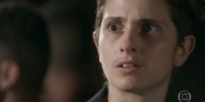 Ivana/Ivan (Carol Duarte) sofre rejeição de Cláudio (Gabriel Stauffer) em A Força do Querer (Foto: Reprodução/TV Globo)