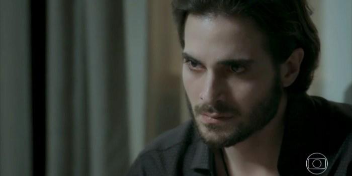 Ruy (Fiuk) surpreende após descobrir farsa de Ritinha (Isis Valverde) em A Força do Querer (Foto: Reprodução/TV Globo)