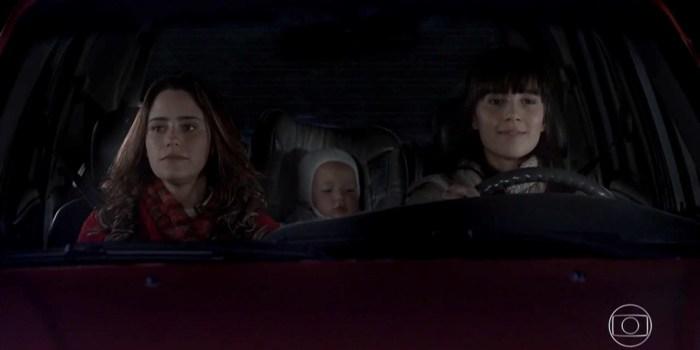 Ana (Fernanda Vasconcellos), Júlia e Manuela (Marjorie Estiano) sofrem acidente (Foto: Reprodução/TV Globo)
