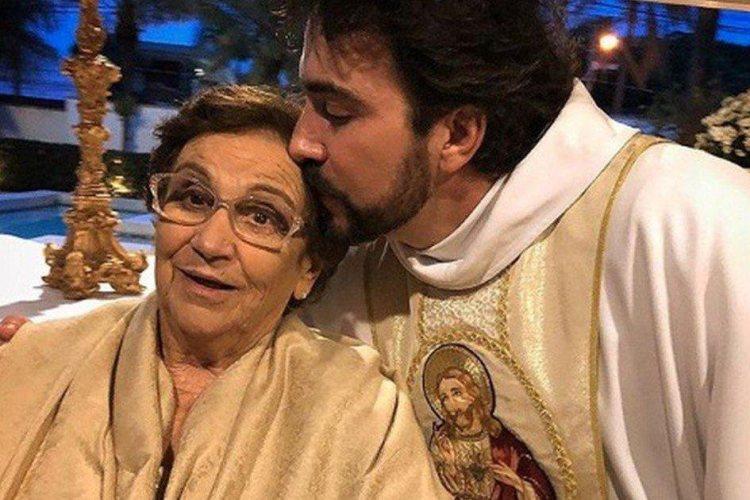 Padre Fábio de Melo e sua mãe (Foto: Reprodução)