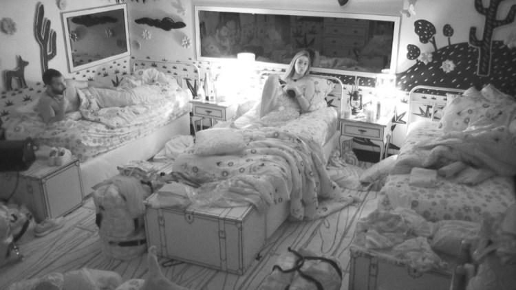BBB21: Sarah conversa com brothers no quarto cordel (Foto: Reprodução)
