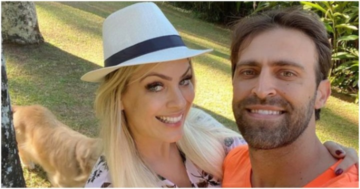 Renata Fan surgiu ao lado de Átila Abreu, seu companheiro e se declarou para o amado (Foto: Reprodução)