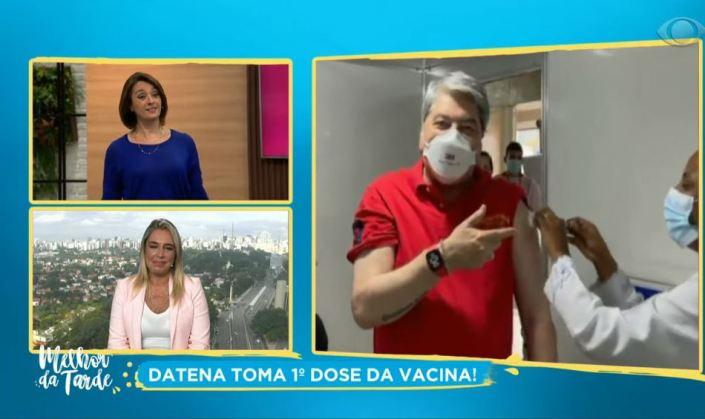 Cátia Fonseca mostra Datena com enfermeira (Foto: Reprodução)