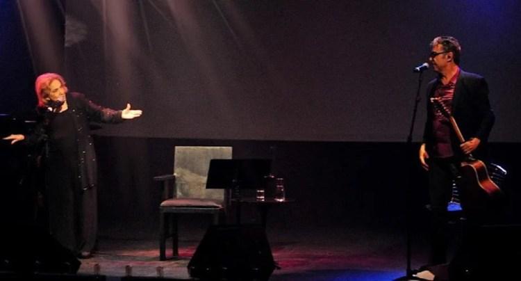 """Filho de Eva Wilma junto com a veterana no espetáculo """"Eva, a Live"""" (Foto: Reprodução)"""