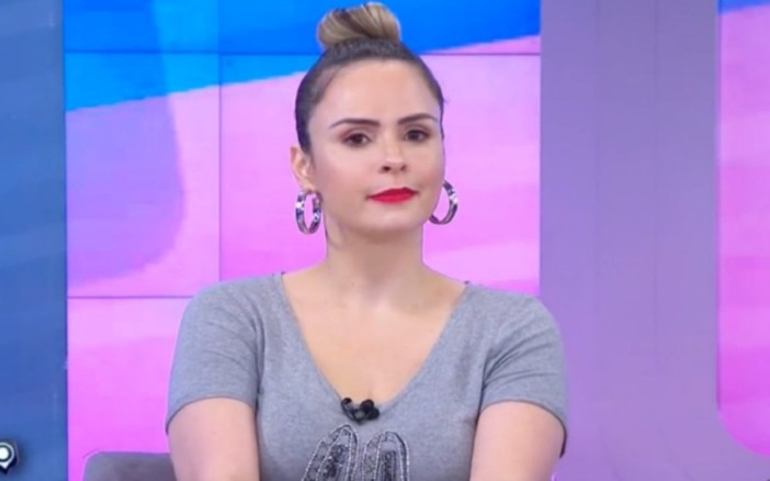 Ana Paula Renault, apresentadora do Fofocalizando do SBT, se recusa a fazer merchandising (Foto: Reprodução)