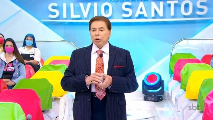 Silvio Santos voltou ao ar no SBT e falou de saída de Eliana para a Globo (Foto: Reprodução)