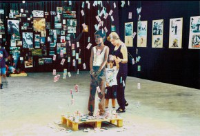 Captive, installation, 1999