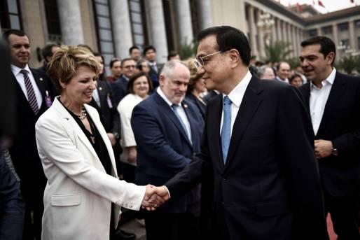 Με τον πρωθυπουργό της Λ.Δ. της Κίνας, Λι Κεκιάνγκ