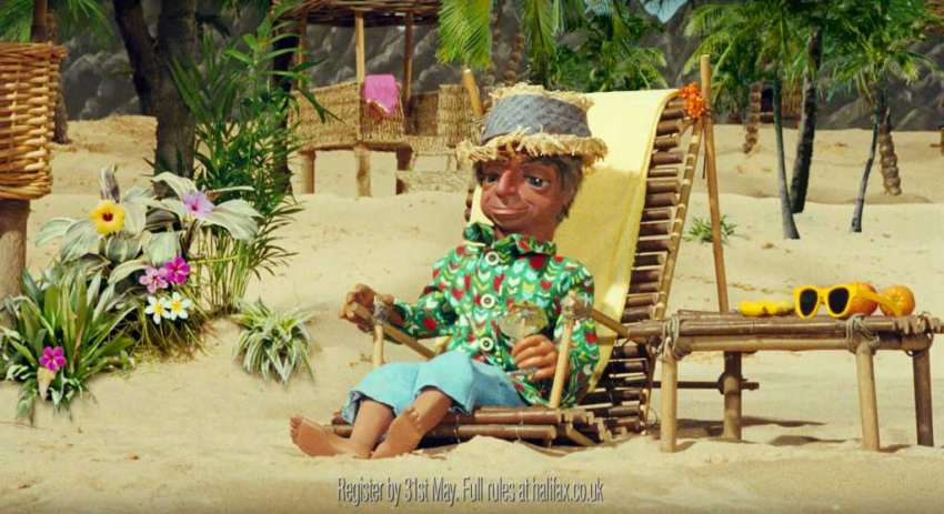 Parker relaxes on the beach in the Halifax Thunderbirds advert