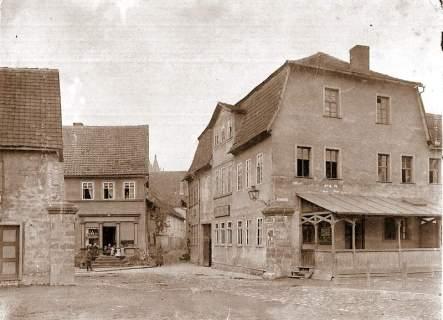 """Restaurant """"Zur Ente"""" (links) und """"Bär"""""""