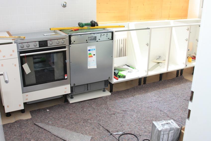 Einbau eines Geschirrspülers in eine alte Küche - Geschirrreiniger.de