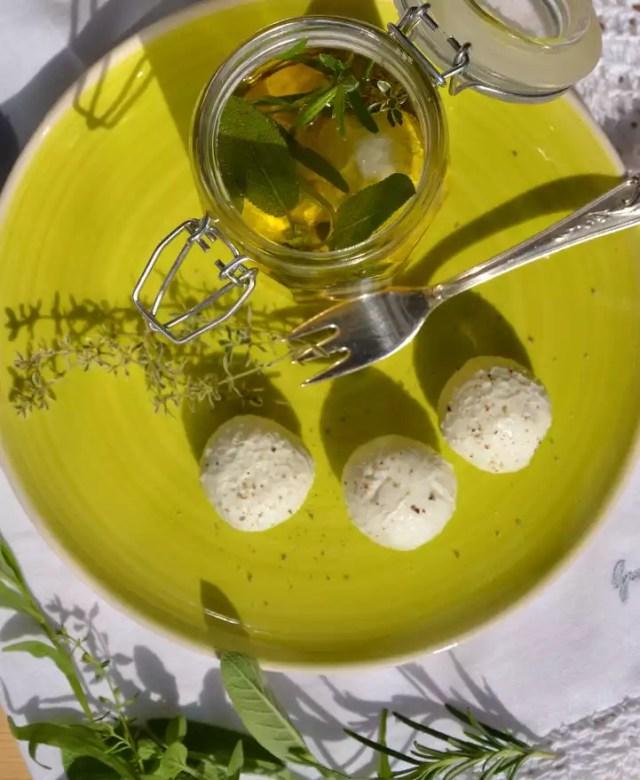 Frischkäsebällchen