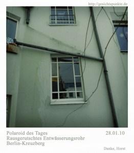 Polaroid des Tages - Regenfallrohr (Kreuzberg)