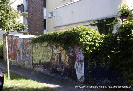 Graffityverzierte Gesamtwand! Gesamtansicht!