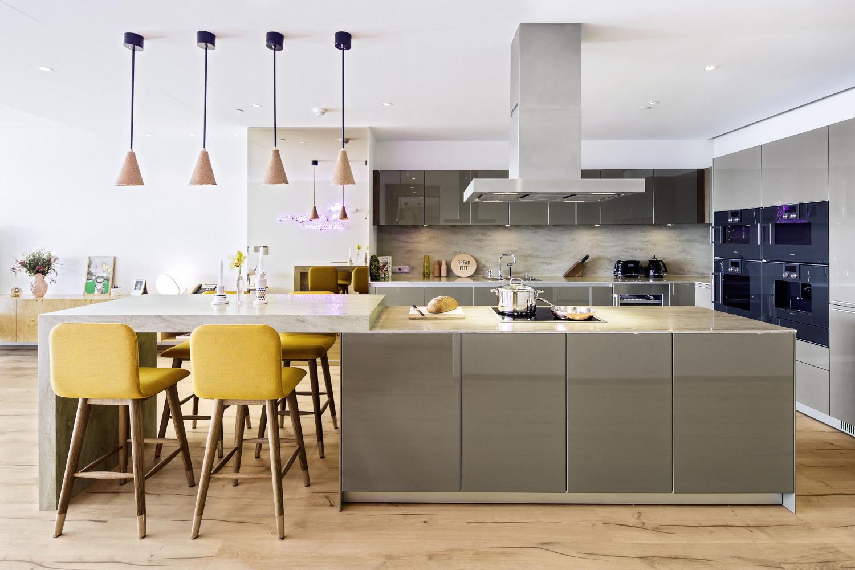 Küchen mit Geschmack einrichten: Die Naturholzböden von mafi kreieren ein Ambiente zum Wohlfühlen und Genießen
