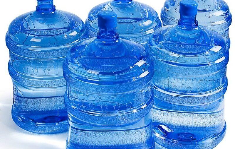 Secretário beneficia irmão com fornecimento de água mineral para a Prefeitura de Sapé