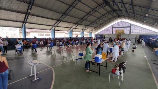 Sapé vacina 1.101 pessoas de outros municípios, tem homens vacinados como gravidas e está entre os municípios que menos investem contra a pandemia de Covid-19
