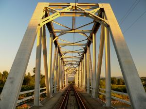 railroad-bridge-885743-m