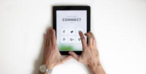 Gestion S.O.A.W.   4 avantages d'utiliser les réseaux sociaux pour les entreprises