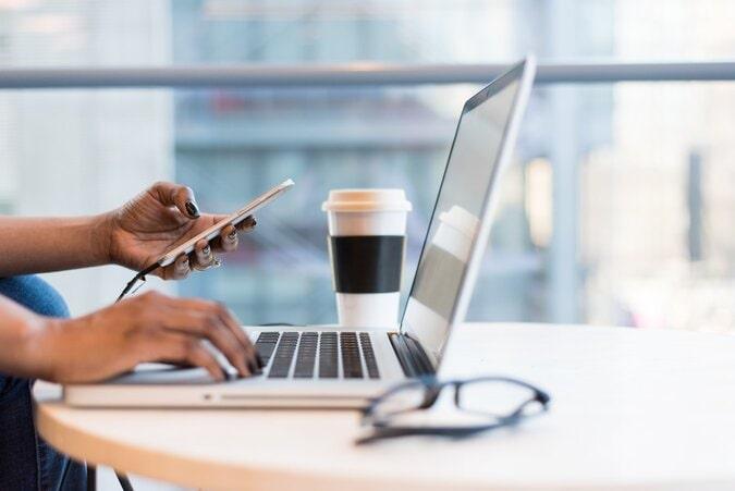 4 avantages d'utiliser les réseaux sociaux pour votre compagnie