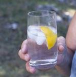 Mineralwasser im Test Schadstoffe
