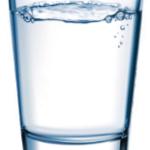 Darum ist warmes Wasser auf leeren Magen gesund